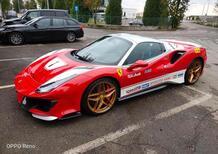 Pista Spider special: omaggio Ferrari a Niki Lauda con la stradale nei colori F1 [Foto Gallery]