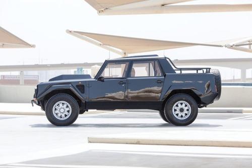Lamborghini LM002: la nonna della Urus va all'asta (4)