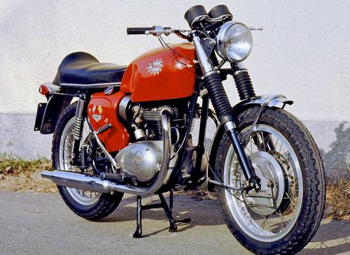 La grande scuola delle moto inglesi (4)