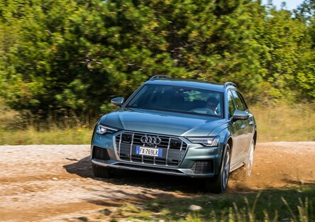 Audi A6 allroad quattro 2020: la 4^ generazione ibrida (48V) è ancora riferimento, in strada e fuori [Video & Foto]
