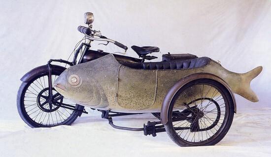 Uno dei pezzi più particolari del Museo del Sidecar: è il Beardmore, con il passeggino a forma di pesce