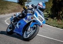 Suzuki RGV 250 TEST Youngtimer: una moto 2 tempi da corsa con la targa