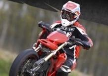 Il trofeo Ducati Hypermotard 796 con l'Italiano Supermoto