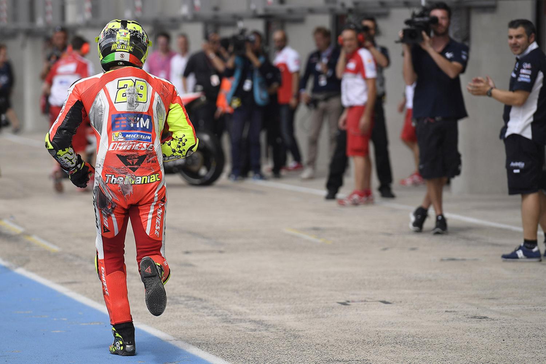 MotoGP 2016. Gli scatti più belli del GP di Francia