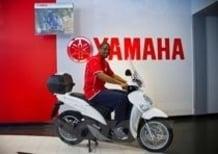 Consegnato il nuovo Yamaha Xenter 125 al cestista James White
