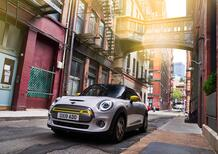 Mini Full Electric: finalmente l'abbiamo guidata in due [Video]