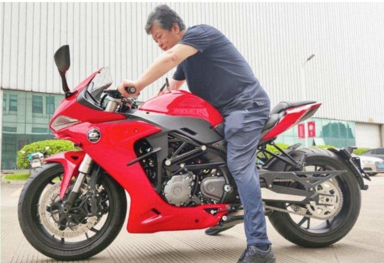 QJ Motor SRG600. Una nuova versione sportiva dalla Benelli 600