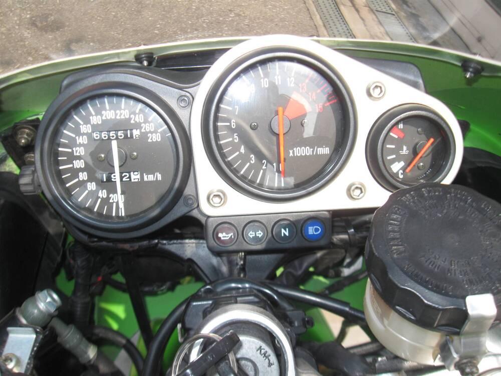Kawasaki Ninja 750 ZX-7R (1996 - 00) (5)