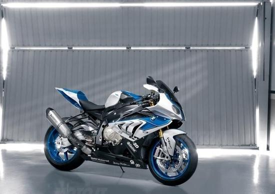 BMW HP4: stiamo provando la stella di Monaco
