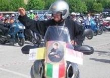 Il vescovo guida il motoraduno in sella alla Yamaha Super Ténéré