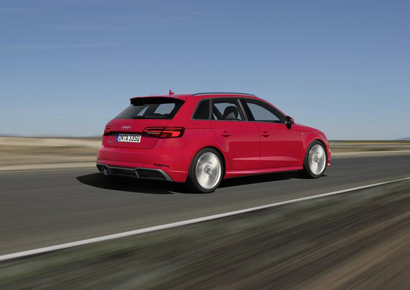 Audi a3 restyling 2016 video prime impressioni prove for Audi a3 restyling 2017