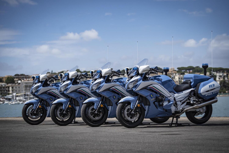 Novanta nuove Yamaha FJR 1300AE alla Polizia di Stato