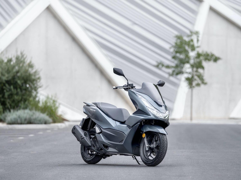 Honda PCX 125 2021: Euro 5 e revisioni stilistiche