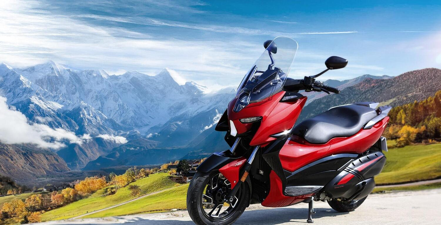 Nuovo Zontes M 310, scooter competitivo