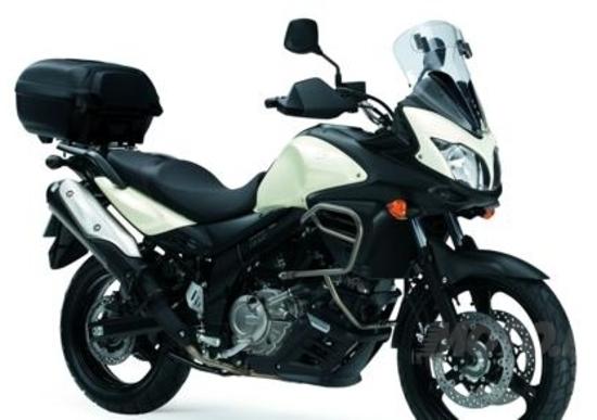 Suzuki: pista gratis per GSX-R e sconti su V-Strom 650