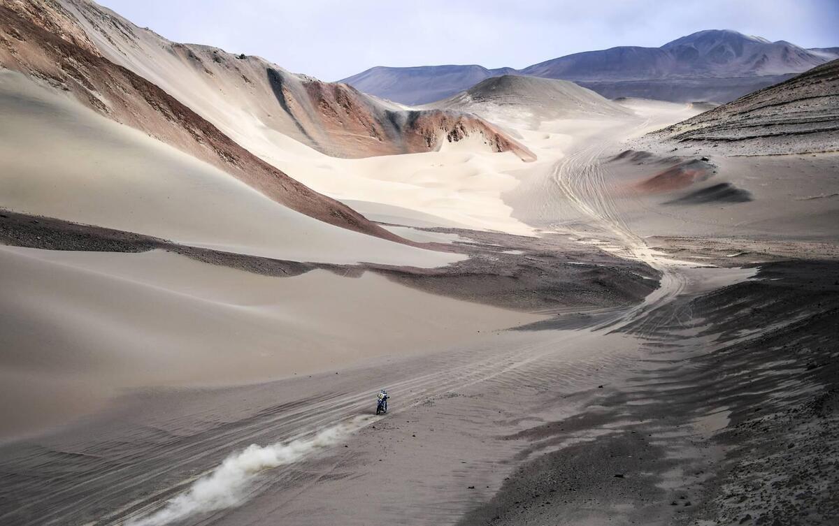 Dakar 2021. 2a Tappa. Wadi Ad-Dawasir. Al Attiyah, ?Toy?, e Barreda, Honda