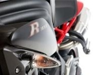 Triumph Speed Triple R Dark, solo per l'UK