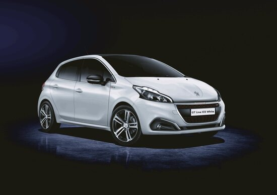 Peugeot 208 GT Line ICE White, bianco sportivo