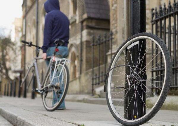 Furti di biciclette. In Francia li si combatte con la marchiatura dei telai