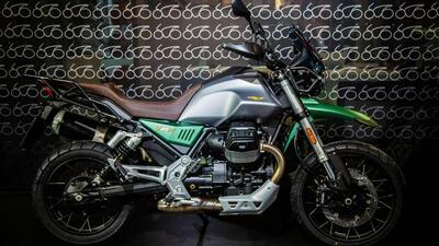 Moto Guzzi V85 TT Centenario (2021) Nuova
