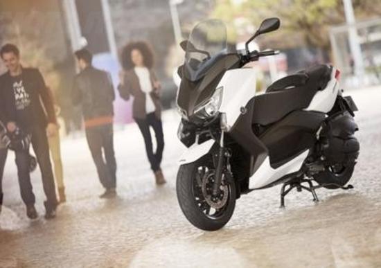 Yamaha X-MAX 400, potenza e compattezza