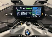 BMW: guidare in punta di dita