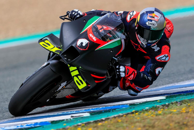 MotoGP. Andrea Dovizioso prova l'Aprilia RS-GP a Jerez: eccolo in azione [GALLERY]