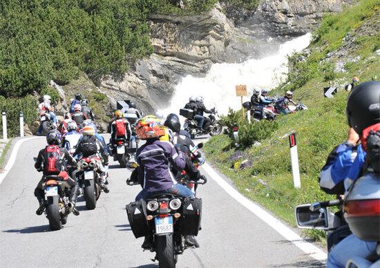 I motociclisti sono gli utenti della strada più felici: lo dice uno studio