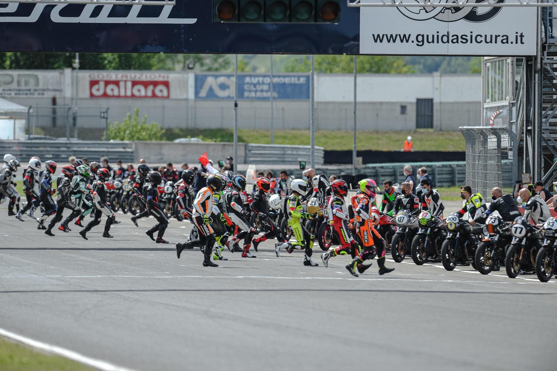 A Varano 62 piloti alla prima del Moto Guzzi Fast Endurance