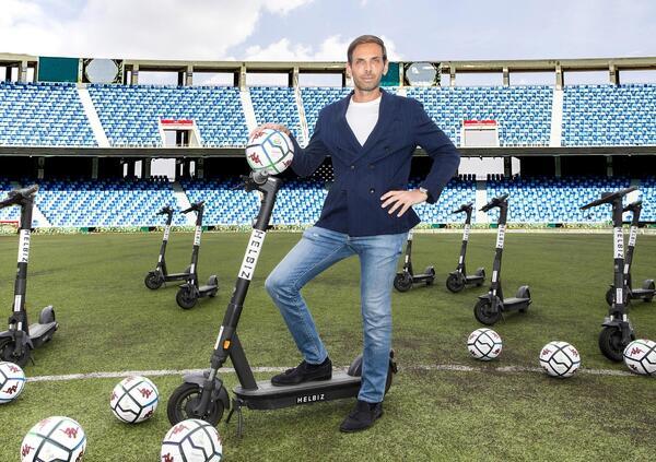 Helbiz, non solo due ruote: ora arriva anche il calcio