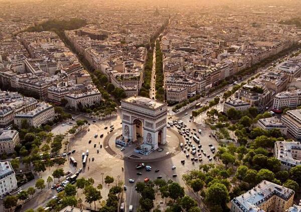 Parigi. Da oggi si viaggia a 30 km/h