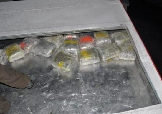 Finto Camion di Motocross trasporta 500 kg di droga. Arrestati due italiani