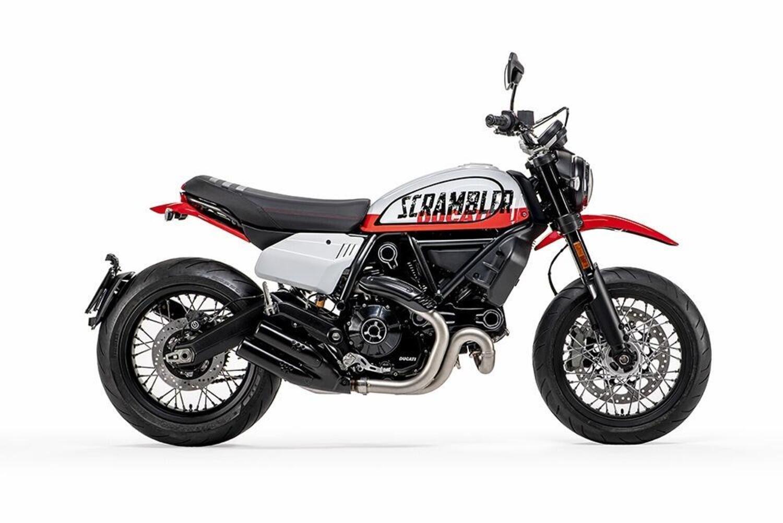 Ducati Scrambler 1100 Tribute Pro e Scrambler 800 Urban Motard 2022. Foto, dati e prezzi
