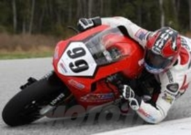 Geoff May durante i test con la 1190RS
