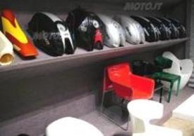 Acerbis è leader nella lavorazione delle materie plastiche per moto (serbatoi, selle) e non solo (design e arredo)