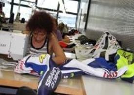 La tuta di Valentino modificata poche ore prima di essere consegnata al Sachsenring
