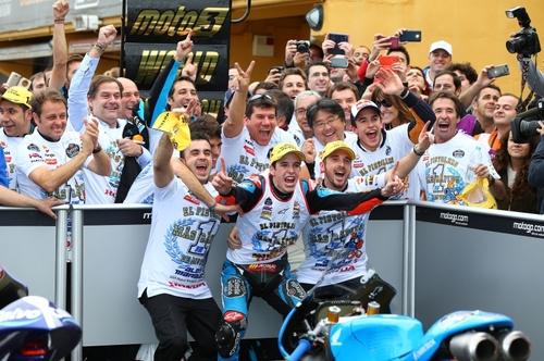 Festa ai box per il team Estrella Galicia, iridato Moto3 2014