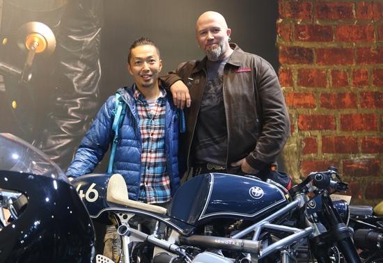 Ola Stenegard con Shiro Nakajima, 46 Works, uno degli interpreti della sua R NineT