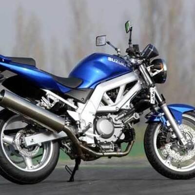 Vendo Suzuki SV 650 S (2003 - 06) usata a Rimini (codice