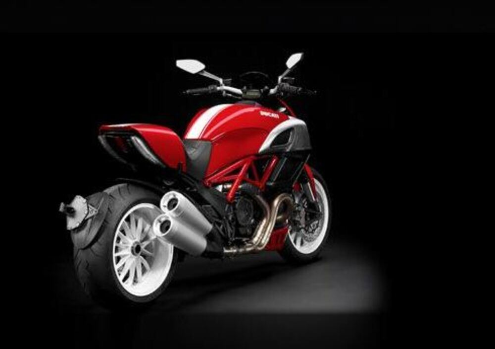 Ducati Diavel (2010 - 13) (3)