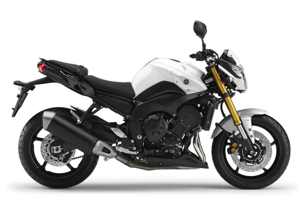 Yamaha XJ6 Prezzo, Scheda tecnica e Foto - Dueruote