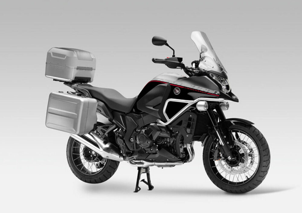 honda crosstourer travel edition abs 2015 17 prezzo e scheda tecnica. Black Bedroom Furniture Sets. Home Design Ideas