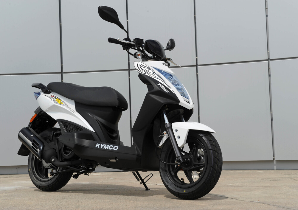 Kymco Agility 50 RS naked (2010 - 19) (2)