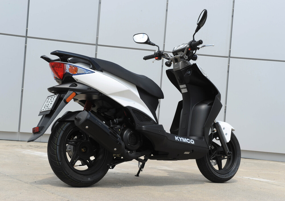Kymco Agility 50 RS naked (2010 - 19) (3)