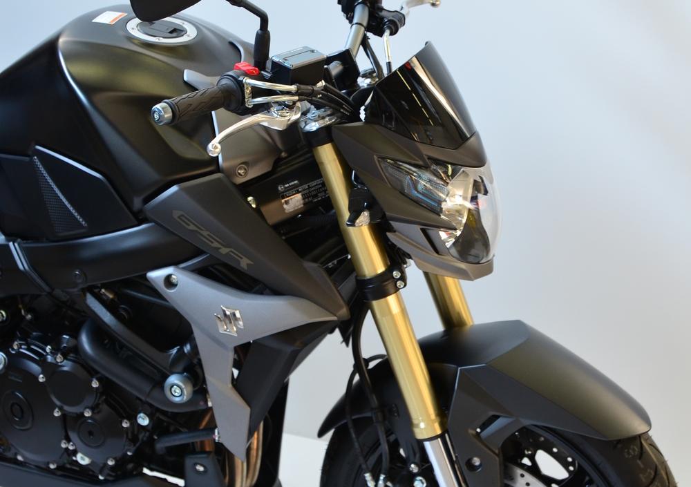 suzuki gsr 750 sp abs (2015 - 17), prezzo e scheda tecnica - moto.it