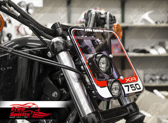 Free Spirits: mascherina portafaro per Harley-Davidson Sportster