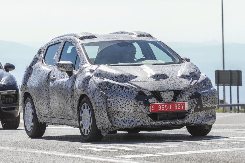 Nuova Nissan Micra, ecco le prime foto su strada (2)