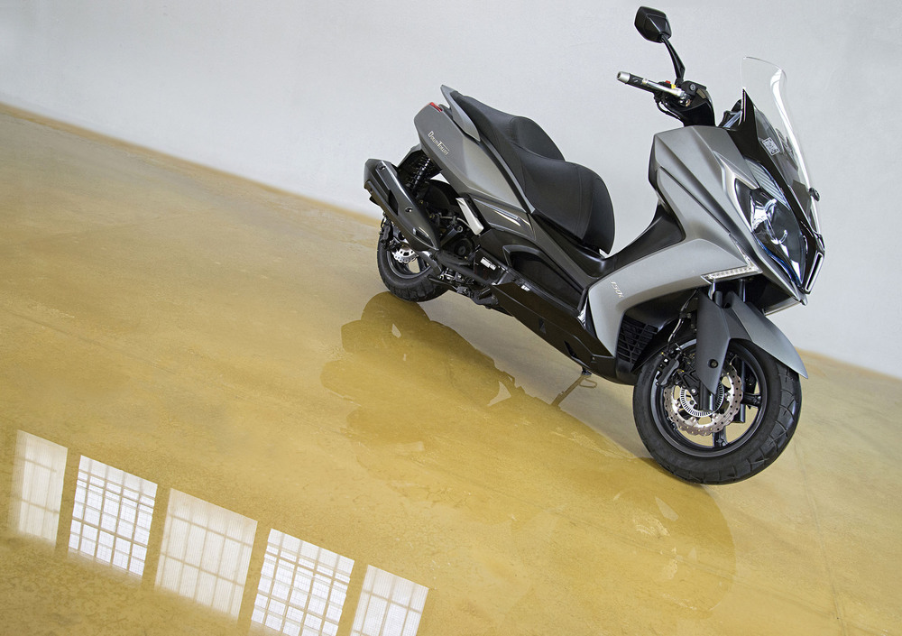 Kymco Downtown 350i ABS (2015 - 17) (4)