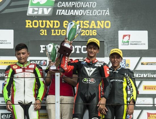Il podio di Pre Moto3, con Fusco al centro