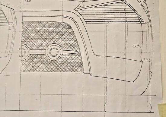 La mappatura delle curve: in questo modo si ha il totale controllo del progetto in ogni suo punto.  La coscienza del progettista sul suo operato diventa infallibile, ripercorsa palmo a palmo ogni superficie dell'automobile nascitura.